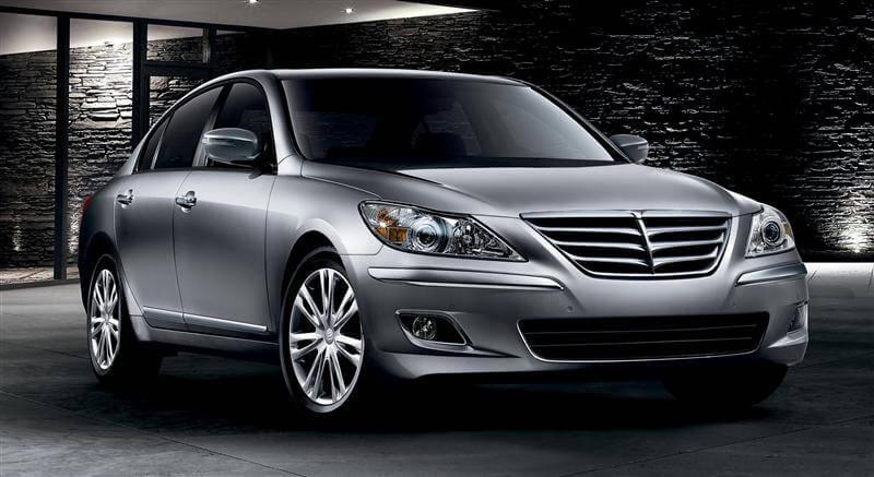 2011-Hyundai-Genesis-Sedan-Image-033-800