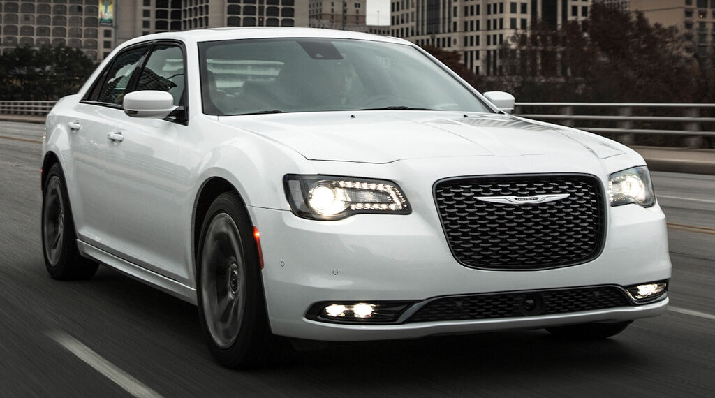 2015-chrysler-300-v-8-first-drive-review-car-and-driver-photo-653581-s-original